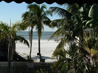 Sea Esta - Ocean View Beach House - Walk to Restaurants and Shops!