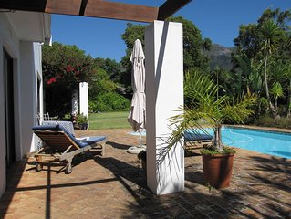 Family Home With Large Garden In Constantia, Cape Town