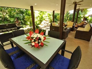 Beachfront Resort: Villa 4-bdr, very spacious, only 20m to the Beach