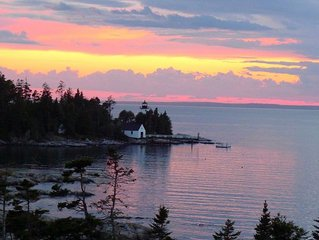 Waterfront Property with quick access to Acadia trails