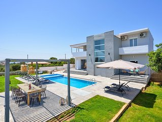 Premium 360 Villa with Private Pool, Full Privacy and Breathtaking View
