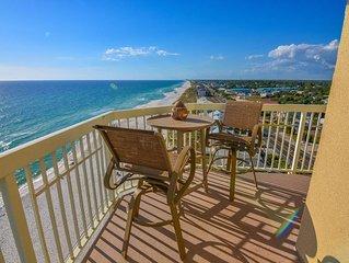 Beautiful Corner Beachfront Gem Includes Beach Service!