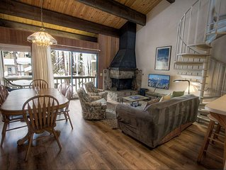 Spiral Staircase Kingswood Condo w/BBQ, Fireplace, Pool/Tennis (KWC1030)