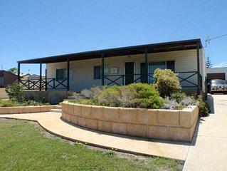 Sandowne House - Family favourite close to beach
