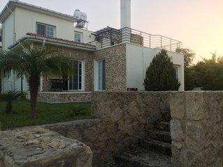 Kyrenia Villa: Central and Quiet