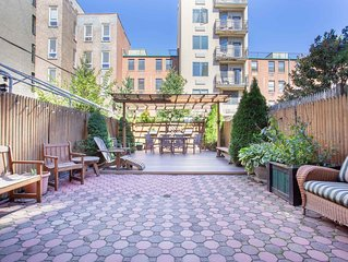 Spacious Harlem Townhouse Triplex, 3 or 4 Bedrooms 2 Baths, 12 mins to Times Sq