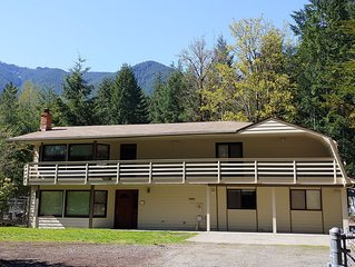 PACKWOOD SPECIAL! No cleaning fee and price includes up to 10 people.