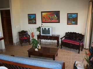 VILLAS CASA LOMA (Villa 4) - FLAMINGO BEACH'S BEST KEPT SECRET FOR OVER 30 YEARS