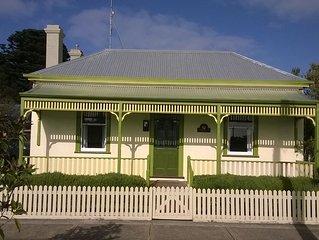 The Gatehouse - historic cottage - pet friendly