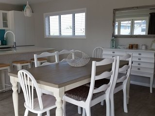 Excellent Location** Modern Large Family Beach House