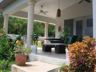 Modern Villa with pool in the heart of Esperanza