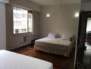 Apartamento grande e luxuoso em Copacabana na melhor localizacao-vista p/ o mar