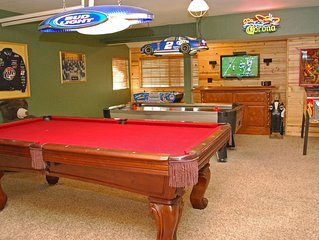 All About Fun Eagle Point Retreat~Outdoor Spa~Full Game Room~Fenced/Pets Ok~