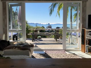 Gorgeous Cooks Beach and Mercury Bay views beach house. Close to Cathedral Cove.