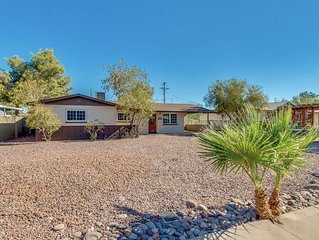 Tempe Home Newly Remodeled Close to ASU, Cubs Stadium, A's stadium. Sleeps 12