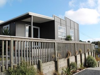 Cosy Raumati South Beach Bach