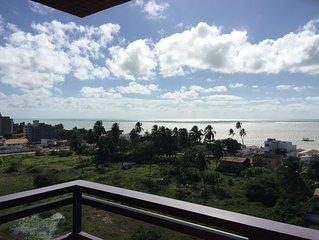 Apartamento amplo, suite e mais dormitório bem localizado com vista para o mar
