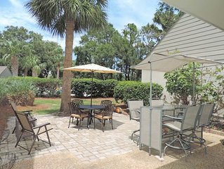 Conveniently located in Palmetto Dunes on the Robert Trent Jones Golf course in