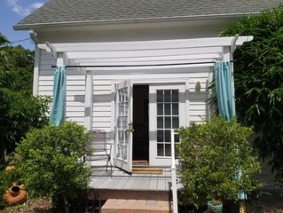 Historic Windmill Cottage, Walk to Downtown Mount Dora
