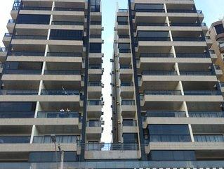 Apt 2 quartos com suite e 2 vagas  garagem  , no Prédio do shopping Praia Center