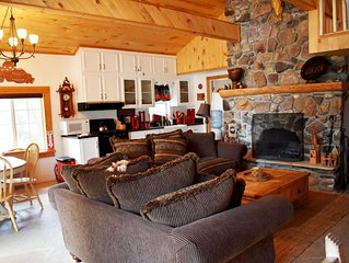 Rustic Lodge Style 2bd/2ba Home w/ Private Pool