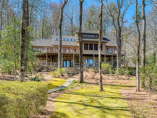 Totally Renovated, Prime Lakefront Home on Lake Toxaway