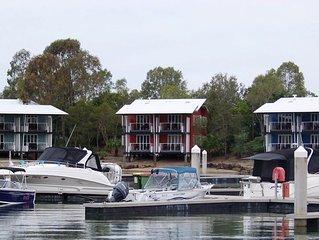 Couran Cove Resort Marina Apartment
