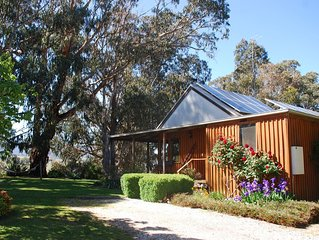 Tranquil, peaceful cottage, rural environment, close to Mt Buller