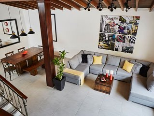 �� HUGE & GORGEOUS HOME_STADIUM AREA_ LOCAL FLAVOR ZONE_ 12 MIN TO EL POBLADO