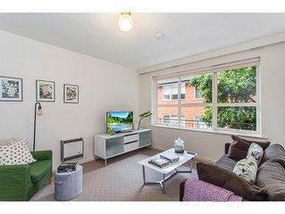 Family-friendly Apartment in Green Glen Iris