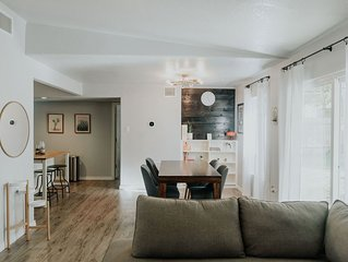 ❤Cozy, Hip Casita   Centrally Located   Near Airport + Downtown  ❤
