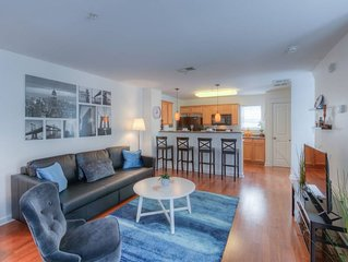 Bright & Airy!  Midtown TownHome w/ Private Garage
