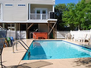 Heated Pool, Hot Tub, and Firepit:  All within 200 Steps to the Beach