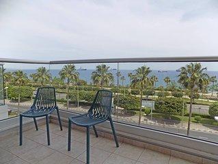 3b Seafront Retro Apartment - Olympic Beach