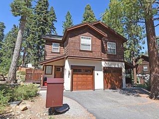 Prime location w/ Fireplace, Smart TV, Snow Sleds, 15 min to Northstar, 5min Kin
