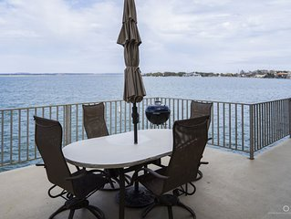 Waterfront Home, Horseshoe Bay Retreat!