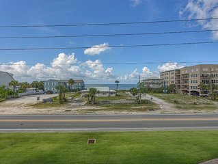 Gulf View, Mexico Beach Condo, Community Pool, Hot Tub, and Sauna ~ Summerhouse