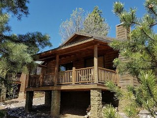 Cool Breeze Cabin in Bison Ridge easy access to National Forest