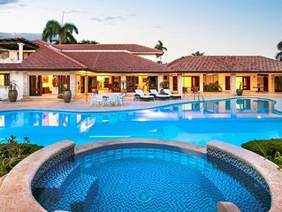 Elegant Golf Villa, Huge Swimming Pool, Full Staff, Billiards, Golf Practice Are
