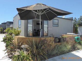 Westshore Beach Cottage, Long Term Stays welcome