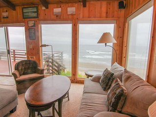 Rustic, Romantic Cottage Soars Above the Ocean