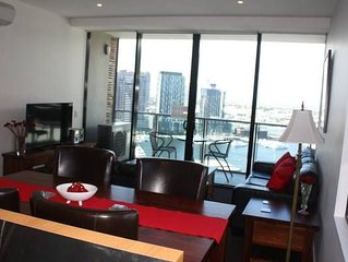 Ballantrae Docklands Apartment 2BD 2BA free WiFi and under cover parking