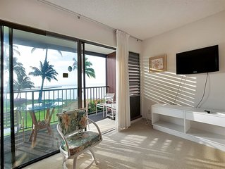 Mellow Vibe*Ocean's Edge! Flat Screen, Lanai+Kitchen For Meal Ease–Molokai Shore