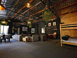 'THE SHED' Luxury warehouse in the heart of Healesville and the Yarra Valley