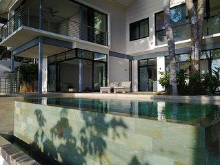 Villa Pacifico, Luxury 3 Bedroom Villa with Amazing views to the Pacific Ocean!
