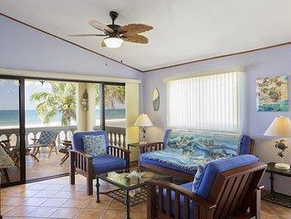 Villas Iguana A-8: Beachfront condo
