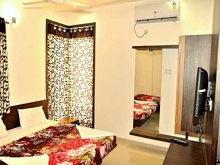 Transit stay * Mayank (Near IGI Airport)