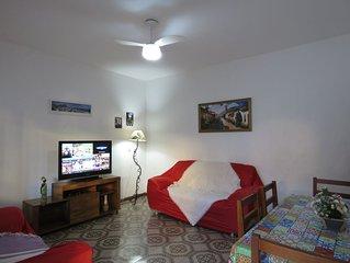 3 quartos (1 suíte), Wifi, TV HD - Apenas 4 minutos de caminhada da Praia Grande