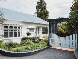 Island Villa - Waiheke Escapes