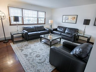 Sleeps 10 - 3 Bedroom - 2 Bath - 5 Beds - Just 7 Minutes to NYC 201.2